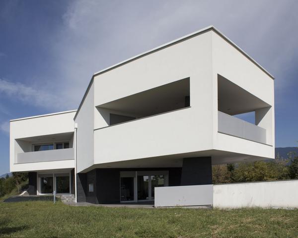 M.M. HOUSE